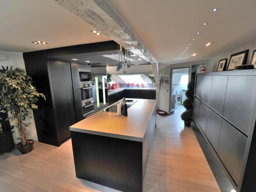 Appartement spacieux proche chambéry à vendre cuisine
