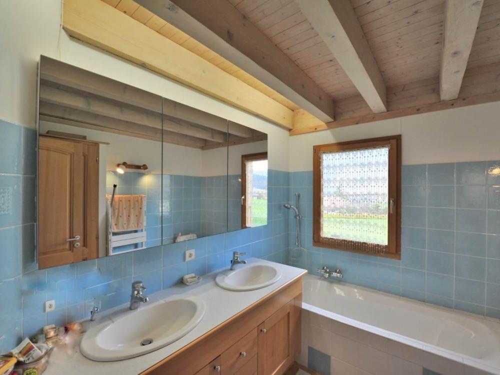 Maison Annecy rive ouest salle de bains